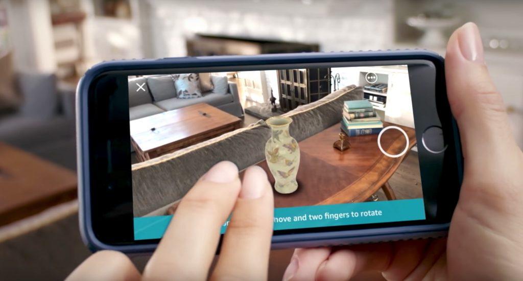Amazon showroom. Realidad virtual y realidad aumentada para venta de productos. Decoración virtual 3d.